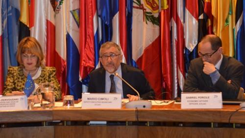 Debaten en la CEPAL sobre la necesidad de repensar el desarrollo en un mundo en transición.