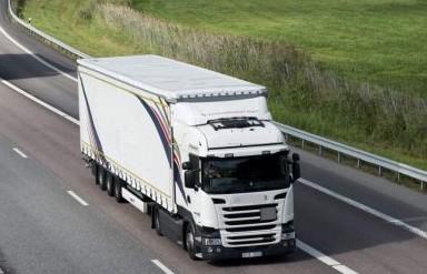 Control satelital obligatorio para empresas con más de 20 camiones