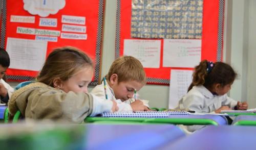 Más de 70.000 niños desarrollan sus habilidades socioemocionales en escuelas de jornada extendida