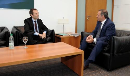Gobierno argentino manifestó absoluta disposición de mantener y profundizar vínculos con Uruguay