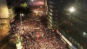 Marcha 8M en Montevideo superó las 300.000 personas