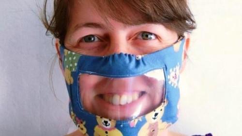 Máscaras transparentes ayudan a comunicarse a las personas con problemas auditivos