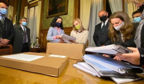 Poder Ejecutivo remitió el proyecto de Presupuesto Nacional al Poder Legislativo