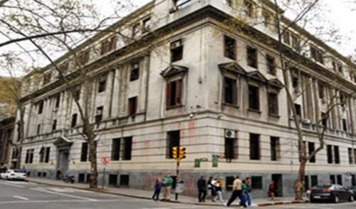 Agencia Fitch ratificó calificación crediticia de Uruguay en el grado inversor