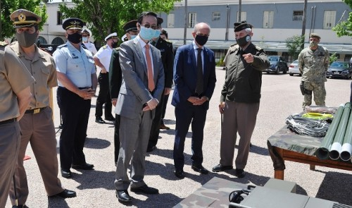 Defensa recibió donación de equipamiento militar de China por cuatro millones de dólares