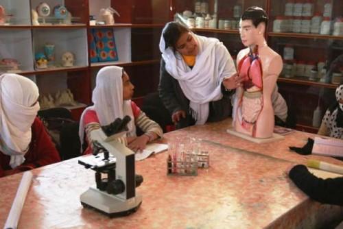 Pese a los obstáculos de la desigualdad de genero, las mujeres y niñas brillan en la ciencia