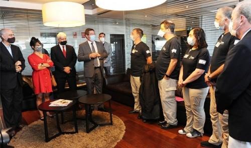 Gobierno recibió a delegación de médicos israelí especializada en tratamiento de COVID-19