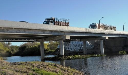 Ministerio de Transporte inauguró puente sobre arroyo Agua Sucia