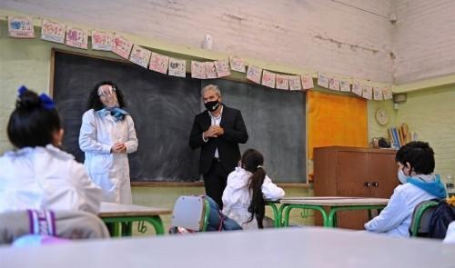 Autoridades de la enseñanza recorrieron escuelas de Montevideo, San José y Colonia