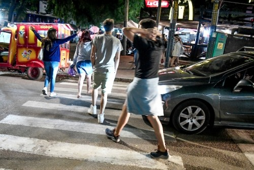 Defensoría del Vecino recibe denuncias por aglomeraciones en plazas y otros espacios